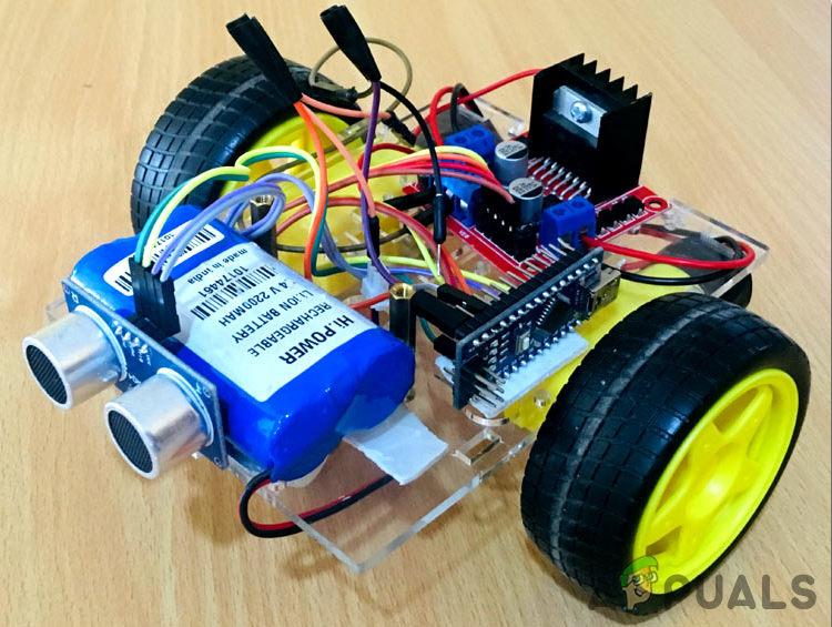 Wie kann man mit Arduino einen Roboter zur Vermeidung von Hindernissen bauen?